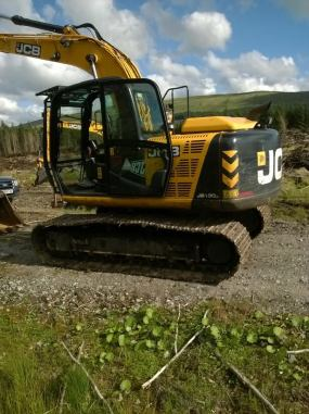 JCB JS130 LC year 2014 1200 hrs