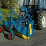 Picture-50-Hydraulic-Drive-Road-Runner-With-Pneumatic-Castors-150x150