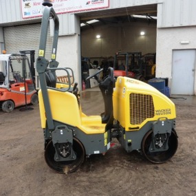 Wacker Neuson RD16 900 mm wide drum Yr 2014 Only done 62.5 hrs from new